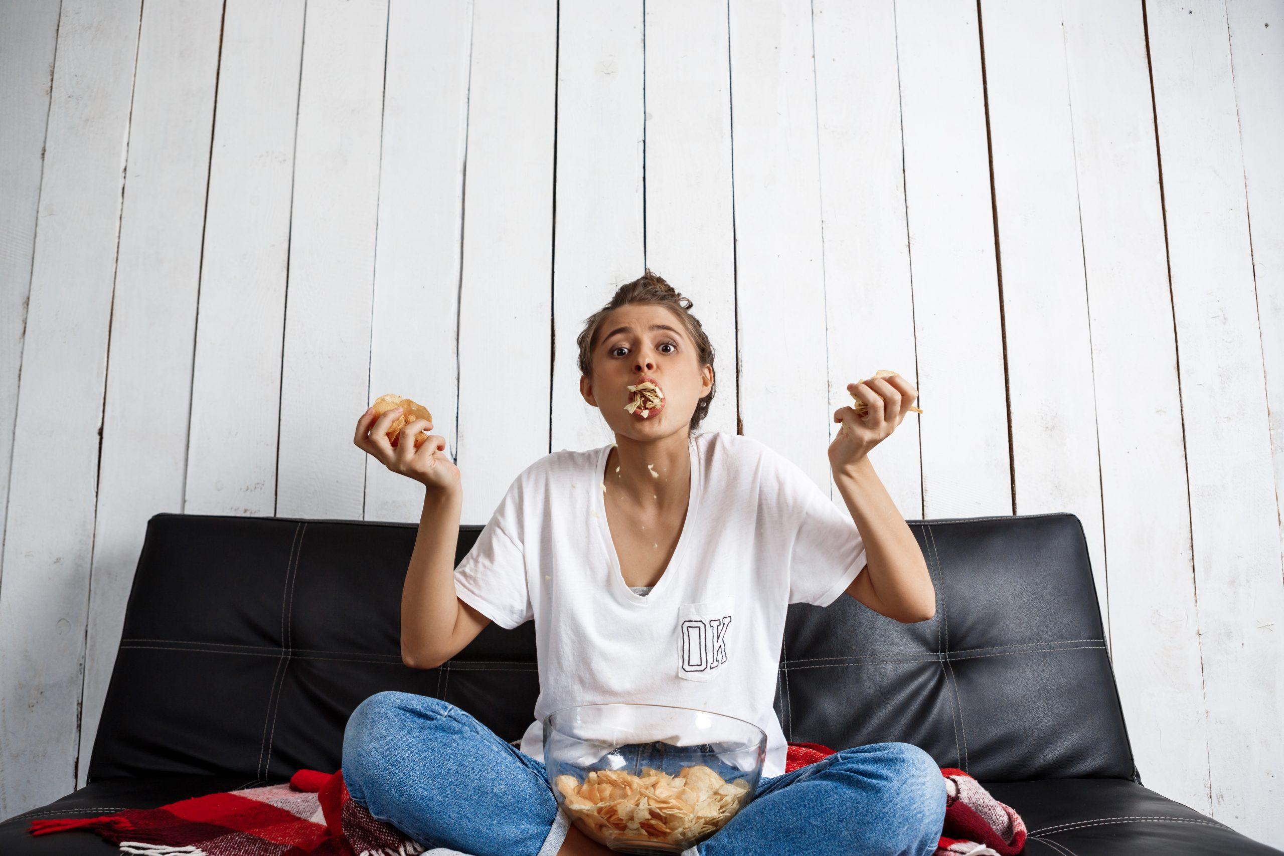 4 pași prin care să scapi de mâncatul compulsiv (Interviu cu Monica Ion)